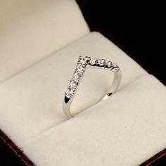 Simple Style Diamond Women's Cocktail Ring - USD $37.95