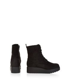 Wide Fit Black Velvet Lace Up Creeper Boots    New Look