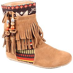 @Overstock - Go retro in these fringed, chestnut boots from Refresh by Beston. Soft faux suede construction and a padded footbed make for a super comfortable fit while traditional knit accent panels and a string of beads complete the look.http://www.overstock.com/Clothing-Shoes/Refresh-by-Beston-Womens-Mini-03-Chestunt-Fringe-Boots/7029577/product.html?CID=214117 $48.99