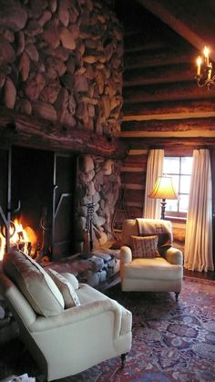 Nothing beats a blazing fire in the fireplace in a cozy cabin on a winter day. Cozy Cabin, Cozy House, Winter Cabin, Cosy Living, Cabin In The Woods, Log Cabin Homes, Log Cabins, Log Cabin Bedrooms, Little Cabin