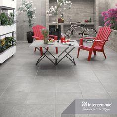 Si no crece pasto en tu #patio, coloca piso de la línea Recinto de #Interceramic y adorna con estilo nórdico para darle espacio y luz. #Exteriores