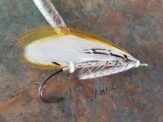 Angel (#1) tied in hand #flytying #flyfishing #steelheadflies #swingforsalmon #swingforsteelhead #tiedforfishing #tiedinhand #salmonfli…