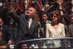 9 - Asume De la Rúa  Télam 10/12/1999 Fernando De La Rúa nuevo presidente de los Argentinos Foto: Télam