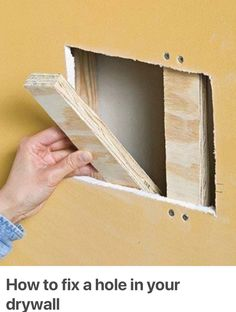 How to fix a hole in your drywall - Diy Crafts for The Home Home Improvement Projects, Home Projects, Home Renovation, Home Remodeling, Drywall Repair, Patching Drywall, Fixing Drywall Holes, Wood Repair, Do It Yourself Baby