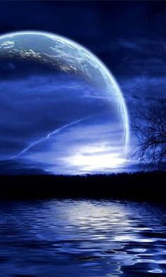Large mystery moon over blue purple sky and water lake Beautiful Moon, Beautiful World, Beautiful Places, Moon Pictures, Pretty Pictures, Funny Pictures, Shoot The Moon, Blue Moon, Amazing Nature