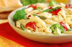 Dr. Oz's Pasta Primavera If you tend to store fat in your bottom, a low-fat, high-protein and complex carbohydrate diet is a great way to help combat a larger butt. The effort it takes your body to break down these foods helps eliminate fat on your lower body, so the chicken and vegetables in this fresh pasta dish are key!