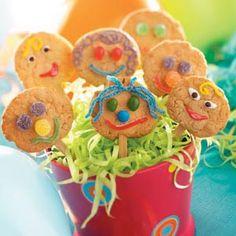 Homemade Lollipop Cookies for the kids to enjoy! #lollipop #cookies #fun #BackToSchool #snacks