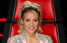 Watch the Video: How to Get Shakira's Makeup Look from The Voice Shakira Makeup, Shakira Hair, Game Face, Highlighter Makeup, Makeup Tips, Makeup Ideas, Eye Makeup, Beauty Hacks, Hair