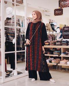 Modest Fashion Hijab, Street Hijab Fashion, Casual Hijab Outfit, Hijab Chic, Abaya Fashion, Muslim Fashion, Korean Fashion, Fashion Outfits, Model Dress Batik