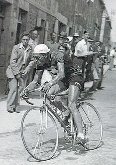 1950 > Ferdy Kübler wins Le Tour 1950 using a Simplex TdF derailleur