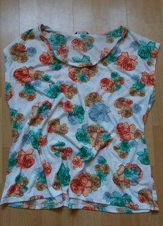Kup mój przedmiot na #vintedpl http://www.vinted.pl/damska-odziez/koszulki-z-krotkim-rekawem-t-shirty/13903445-koszulka-kwiatki-bluzka-oversize-40-42