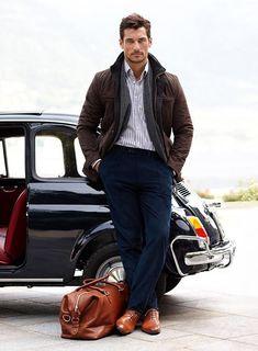 SOUND: https://www.ruspeach.com/en/news/6644/     Вы умеете водить машину? [vy umèiti vadìt' mashìnu] - Can you drive a car?   поймать машину [pajmàt' mashìnu] - to hitch a lift   У тебя есть водительские права? [u tibyà jèst' vadìtel'skije pravà] - Do you have a driver's license?   Я отвезу тебя домой. [ya atvizù tibyà damòj] - I'll drive you home.     www.ruspeach.com