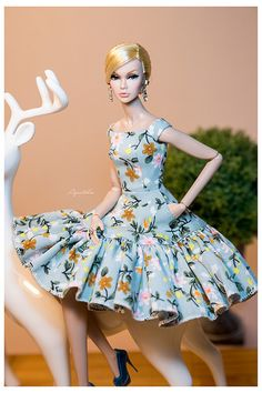 Toy dolls residences, anything from traditional timber holds to actually Barbie Dreamhouses. Sewing Barbie Clothes, Barbie Clothes Patterns, Clothing Patterns, Moda Barbie, Vestidos Chiffon, Poppy Doll, Beautiful Barbie Dolls, Barbie Collection, Barbie Dress
