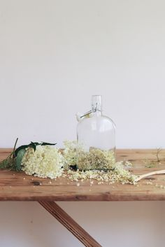 Check out this elderflower gin recipe by Me & Orla. One to bear in mind for summer (or cheat and use syrup, shhhh). Elderflower Cordial, Elderflower Syrup Recipe, Natural, Alcoholic Drinks, Cocktails, Cocktail Drinks, Cocktail Recipes, Beverages, Manga