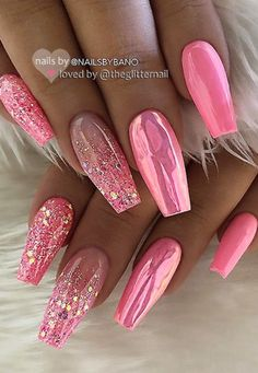 43 Beautiful Nail Art Designs for Coffin Nails Pink Chrome and Glitter Coffin Nails Related posts:# uñas # uñaslindas # # grey and white manicure with. Fancy Nails, Trendy Nails, My Nails, Vegas Nails, Fabulous Nails, Gorgeous Nails, Best Acrylic Nails, Dream Nails, Super Nails