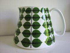 Stig Lindberg jug, likely his most famous design pattern.