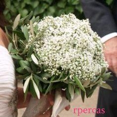 Mi ramo de novia. Paniculata y hojas de olivo. Sencillo y original. Al ser de Linares (Jaén) me apetecía llevar algo de mi tierra y qué mejor que el olivo