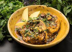 Recipe: Sicilian lamb spezzatino with saffron and mint || Photo: Fred R. Conrad/The New York Times