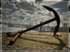 rusty anchor by ThomasUsselmann