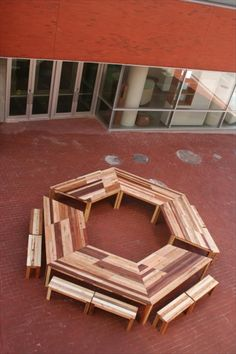 DIY Pallet Hexagonal Table with Benches | 99 Pallets