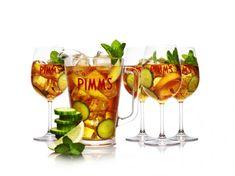 Der Pimm's ist ein Klassiker unter den Drinks - und wird sogar von den Royals geliebt. Die besten original Pimm's-Rezepte gibt es hier...