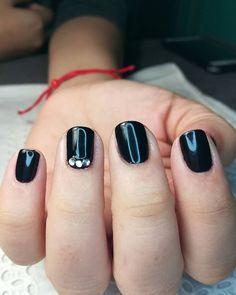 Beauty, Enamels, Sculpted Nails, Nail Manicure, Fingernail Designs, Beauty Illustration