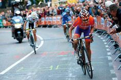 The home crowd, the form and the course all pointed to a Marianne Vos win and the rider didn't let the home crowd down with a stunning win in the women's worlds road race