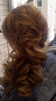Kerri Tanner from the The Strand Hair Studio, Saratoga Springs, NY, gave