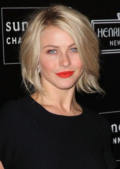 Julianne Hough wore bright red lipstick with a black dress. Black Dress Makeup, Red Lip Makeup, Hair Makeup, Bright Red Lipstick, Bright Red Hair, Bold Lips, Julianne Hough Hair, Curly Hair Styles, Natural Hair Styles