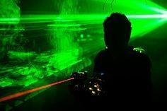 Als je op zoek bent naar een spannend schietspel waar iedereen aan kan deelnemen, dan is lasergame een leuke activiteit voor jullie bedrijfsuitje, vrijgezellenfeest, familiedag of kidsfeestje.