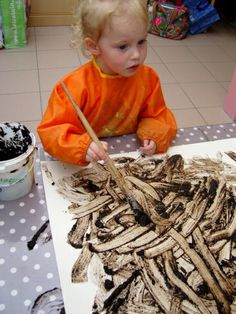 Schilderen met modder Preschool Education, Preschool Art, Preschool Activities, Diy For Kids, Crafts For Kids, Arts And Crafts, Spring School, Animal Habitats, Messy Play