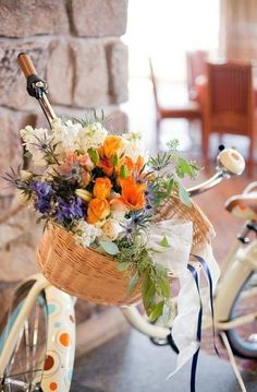 Bike WITH POLKA DOTS & Basket of flowers? YES, PLEASE!