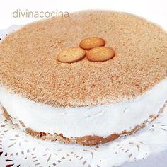 En la receta original la tarta de nata portuguesa se espolvorea con galletas trituradas pero en la foto se ha presentado con canela molida y unas pasas Flan, Gluten Free Sweets, Tasty, Yummy Food, Crazy Cakes, Cake Cookies, Yummy Cakes, Vanilla Cake, Cookie Recipes
