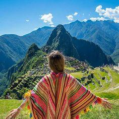 Machu Picchu, Peru - Sete novas maravilhas do mundo, Machu Picchu é um daqueles lugares que merecem ser visitados ao menos uma vez na vida. . Quem você levaria? Marque aqui os seus amigos ! Foto @thesimplesol. Via @euvounajanela . . #fantrip #euvounajanela #machupicchu #Regrann