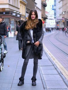 Podívejte se na chladné podzimní street stylu módy od Záhřebu, Zrinka Barkiđija, studentica