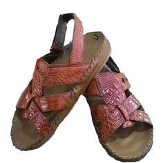 NEW Sandales peau de crocodile marron homme réalisé à la main avec les plus belles peau de crocodile.  Tailles 39 à 48 Création artisanale