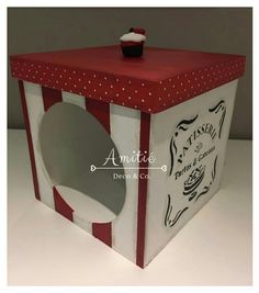 Caja de galletitas Ideas Para, Good Times, Crochet Baby, Candy, Country, Table, Furniture, Home Decor, Decorated Boxes