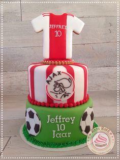 Ajax soccer cake Voetbal taart van Ajax