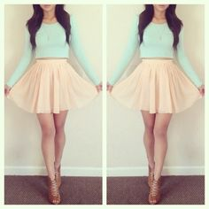 I love this pastel look. It reminds me of Ariana Grandes style!