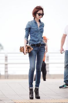 Denim Fashion, Womens Fashion, Blue Jeans, Short Hair Styles, Hair Beauty, Hairstyle, Skinny Jeans, Lifestyle, Chic