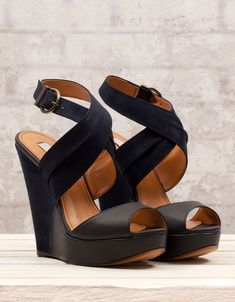 Simple Classic Black Wedges That One Should Have And Should Try It For Formals As Well As For Parties.