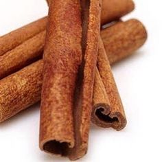 Cinnamon is a powerful spice that has been used medicinally around the world for thousands of years. It is still used daily in many cultures because of its widespread health benefits, not to mention its distinctly sweet, warming taste in our Vanilla Chai Kombucha! ✨ Vanilla Chai, Kombucha, Rolling Pin, Cinnamon Sticks, Health Benefits, Brewing, Spices, Rolls, Around The Worlds