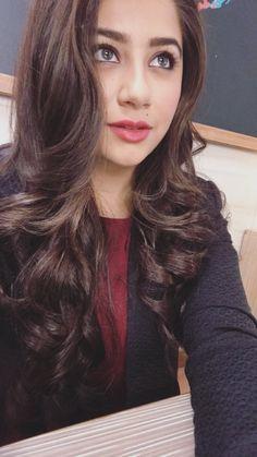 Aditi bhatia..............follow 👉Madhu Beauty Full Girl, Beauty Women, Sweet Girl Photo, Aditi Bhatia, W Two Worlds, Stylish Dress Designs, Actress Pics, Bollywood Girls, Stylish Girl Pic