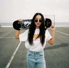 thrasher on girl 🦋 Cute Instagram Pictures, Cute Poses For Pictures, Instagram Pose, Skater Look, Skater Girl Style, Skateboard Pictures, Skateboard Girl, Photo Tumbler, Skater Girl Outfits