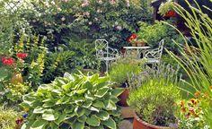 Gestaltungsideen für kleine Gärten - Ein schöner Garten ist keine Frage der Größe. Auch auf wenigen Quadratmetern können Sie ein grünes Paradies schaffen. Nutzen Sie die Fläche mit raffinierten Gestaltungstricks optimal aus!