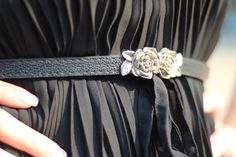 Venoma's fashion diary: Look of the day: Black and Blue #roses #belt #fashion