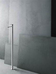 grifo-lavabo pie-fantini-lissoni que podrás encontrar en terraceramica.es #grifos #grifería #baños #diseño #arquitectura #terraceramica