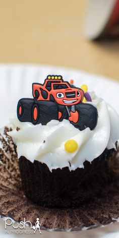 Rocco turned three this month, so I decided to thrown him a Blaze and the Monster Machines Birthday party using free Nick Jr. downloadable decorations. #blazeandthemonstermachines #nickjr #birthdayparty