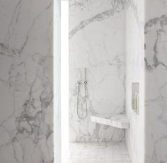 Marble Bathroom Modern Design Ideas, Pictures, Remodel, and Decor White Marble Bathrooms, Marble Showers, Beautiful Bathrooms, Modern Bathroom, Master Bathroom, Bathroom Bench, Bathroom Niche, Shower Niche, Master Shower