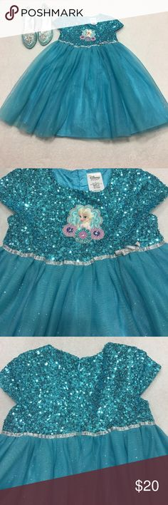 Frozen dress Beautiful used frozen dress like new condition... perfect for any occasion... shoes not included Disney Dresses Formal